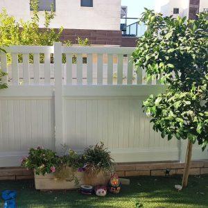 דגם בז – גדר פרטיות – לבן