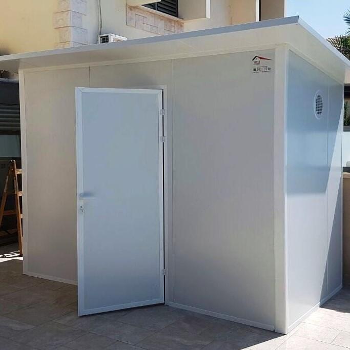 דלת פנל מבודד